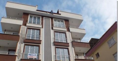 6 Katlı Apartman Çatısından İntihara Teşebbüs Etti