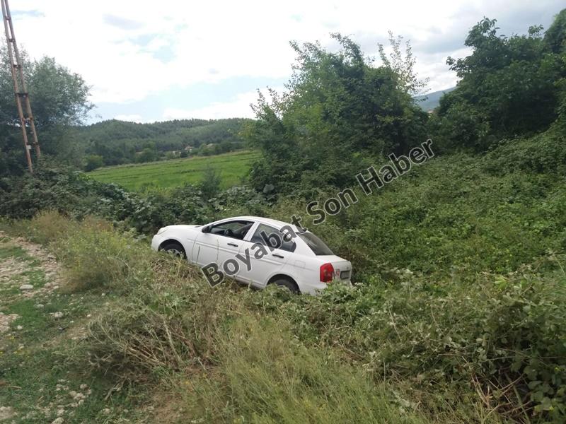 Alibeyli Köyünde Araç Tarlaya Yuvarlandı