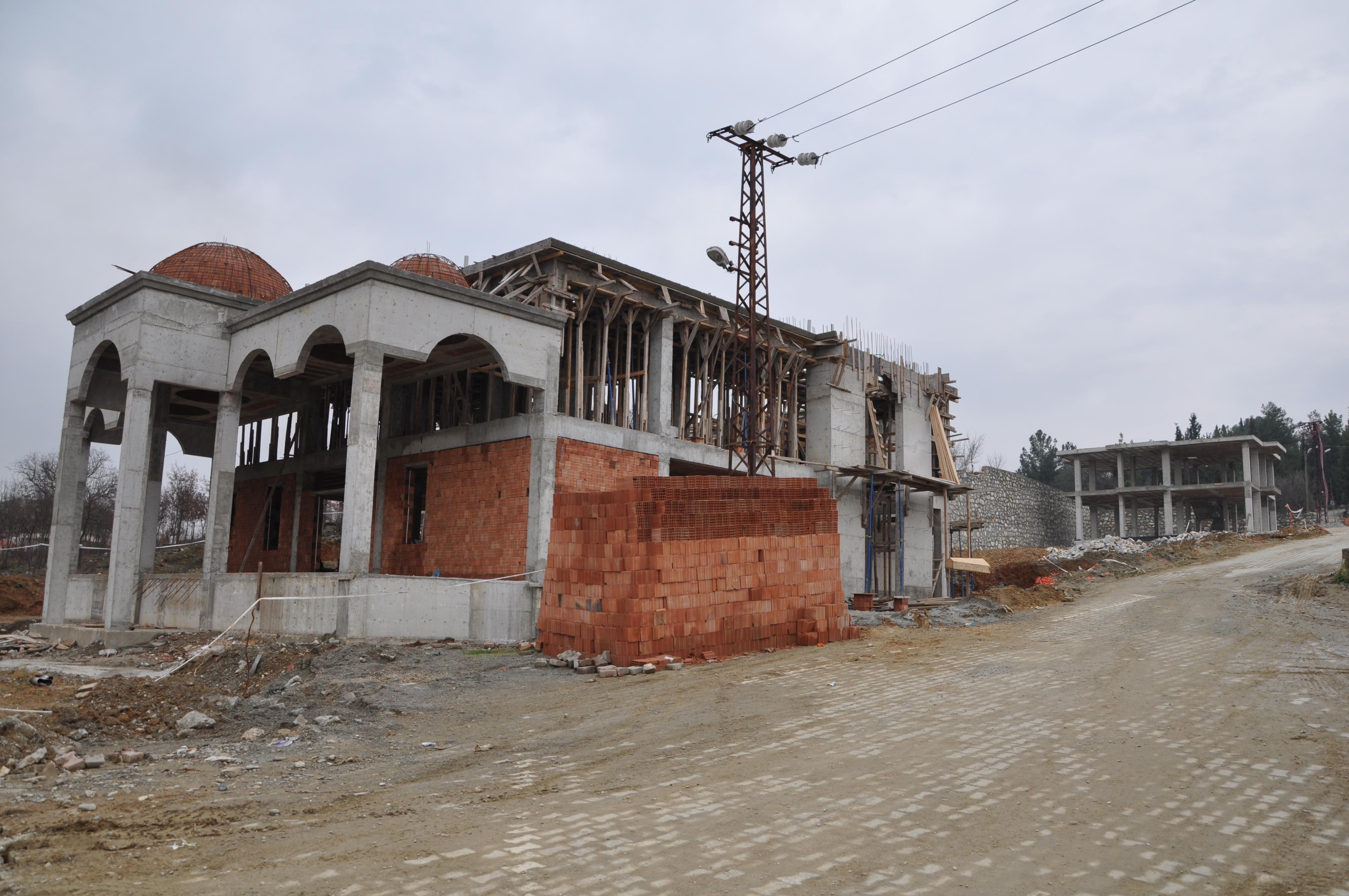 Mezarlıklar Müdürlüğü binası inşaatı sürüyor
