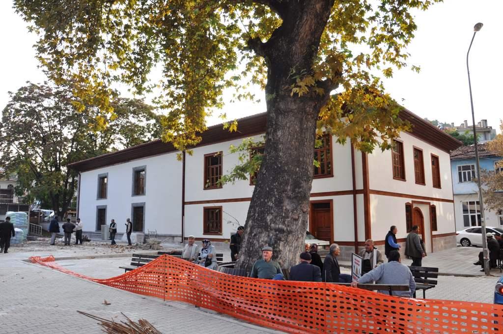 Tarihi camide çevre düzenleme çalışmalarına başlandı