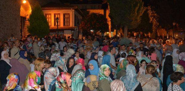 Hacı adayları Sinop'tan Dualarla Uğurlandılar