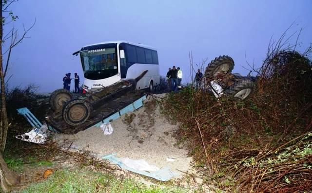 Hanönü Maden İşçi Servisi Traktörle Çarpıştı, 12 Yaralı