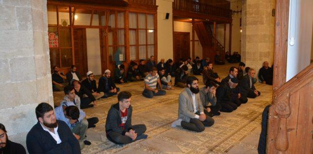 Sabah Namazında Alaaddin Camii'nde Buluştular