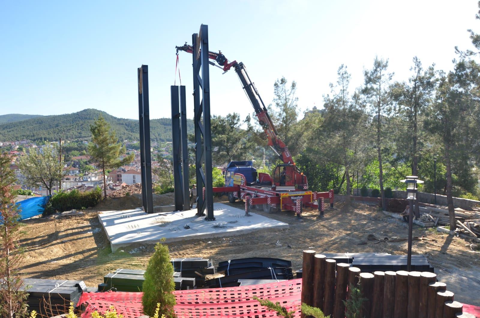 Seyir Kulesinin Çelik Bölümü Yükselmeye Başladı
