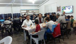 Boyabat Yıldız Camide Öğrenciler Birlikte İftar Açtı