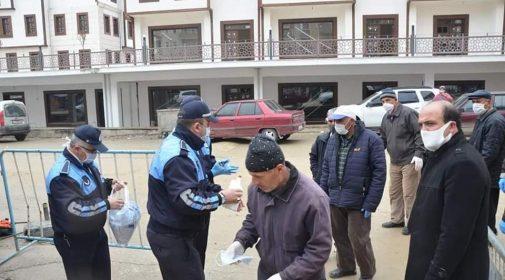 Boyabat Belediyesi Ücretsiz Maske Dağıttı
