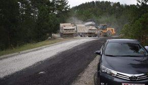 Köy Yolları Asfaltlamaya Tam gaz devam