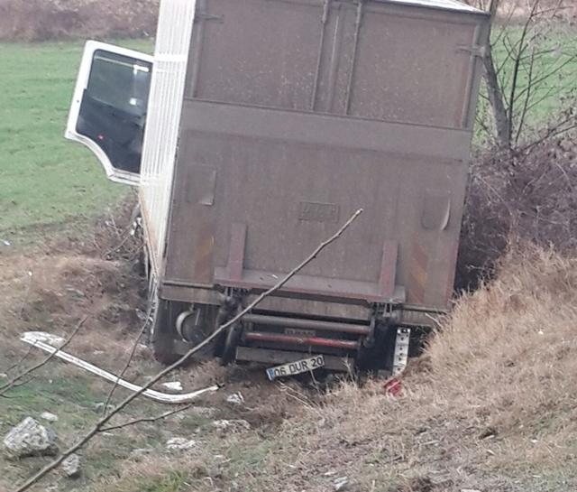 Boyabat'ta trafik kazası : 1 yaralı