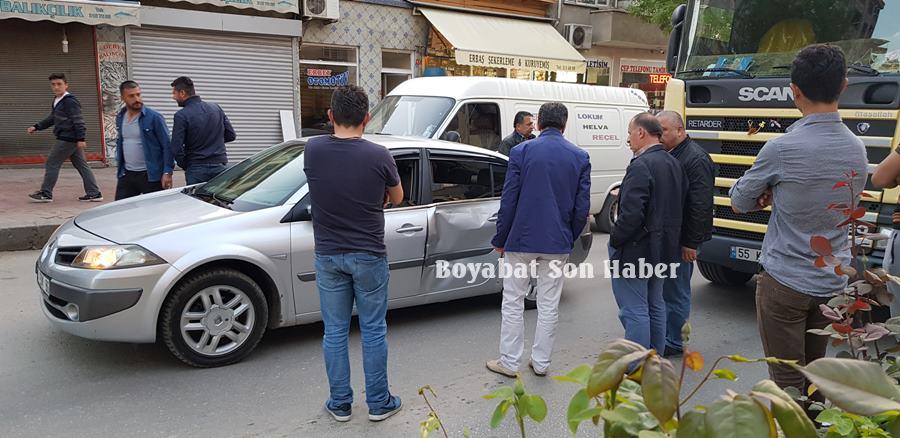 Adnan Menderes Bulvarında Kaza