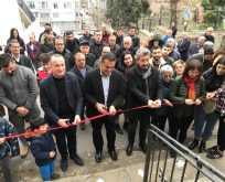 Barış Karadeniz Berkay Akbaş merdivenlerini boyadı.