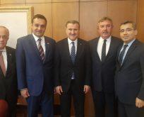 Chp'li Başkanlar Spor Bakanını Ziyaret Etti
