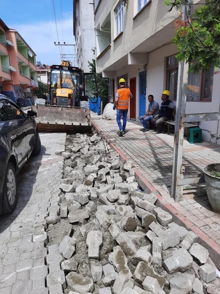 AK Parti Sinop Milletvekili Dr. Nazım Maviş, Dikmen ilçesinde elektrik hatlarının tamamının yeraltına alınması çalışmalarına başlandığını duyurdu.