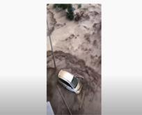 Kastamonu Bozkurt ilçesinde sele kapılma anı (Video)