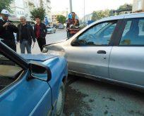 Boyabat Yeni Mahalle Köprübaşı'nda Maddi Hasarlı Trafik Kazası