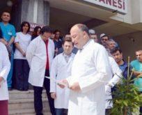 Sağlık çalışanlarından iş bırakma eylemi