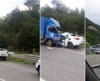 Feci Kaza..Kamyon ile Otomobil Çarpıştı. 2 Ölü, 1 Yaralı