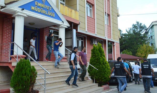 Sinop Emniyet Müdürlüğü Boyabat'ta Uyuşturucu Operasyonu Yaptı 14 Gözaltı
