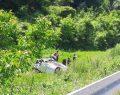Erfelek Yolunda Otomobil Dereye Uçtu, 1 Ölü , 4 Yaralı
