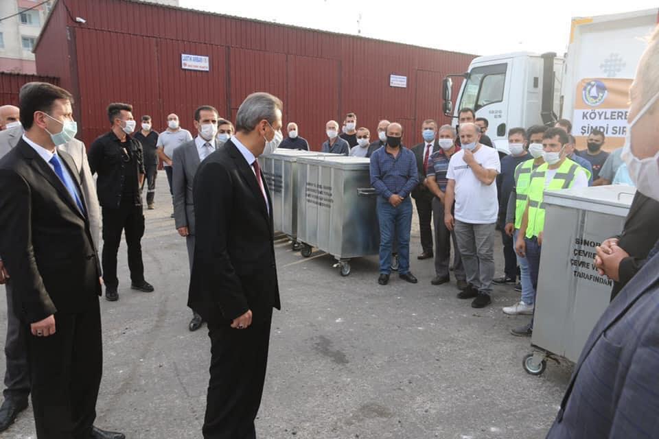 Çevre ve Şehircilik Bakanlığının katkılarıyla Sinop İl Özel İdaresi bünyesinde bulunan yerlere dağıtılmak üzere  Sinop'a 435 adet yeni çöp Konteyneri alındı.
