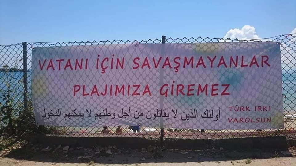 Sinop'ta plaja asılan pankart kaldırıldı