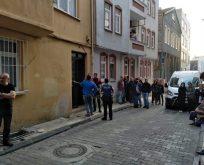 Yaşlı Kadın Evinde Bıçaklanarak Öldürüldü