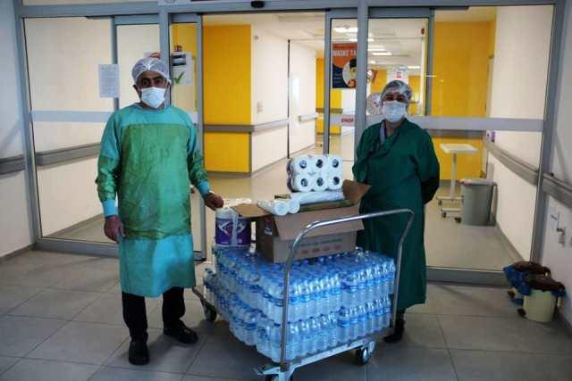 Hastanemizde covid-19 enfeksiyonu nedeniyle yatmakta olan hastalarımıza, hayır sahipleri tarafından yapılan yardımlar ulaştırıldı.